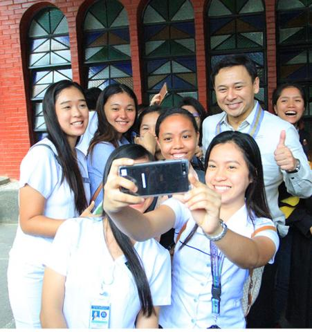 ANGARA TO STUDENTS: MAKE USE OF FREE PUBLIC EDUCATION AND STUDY HARD