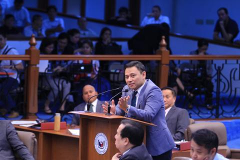Senator Sonny Angara defending the proposed Salary Standardization Law V